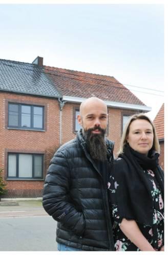 """Nico (45) en Kelly (37) lieten hun gerenoveerde halfopen woning schatten: """"Dit hadden we nooit durven te dromen"""""""