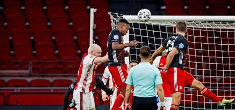 Ten Hag tolereert na titel geen verslapping bij Ajax in Klassieker
