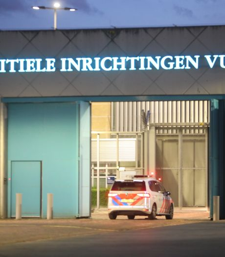 Gevangene PI Vught heeft zichzelf ernstig verwond; ambulance en traumahelikopter  opgeroepen