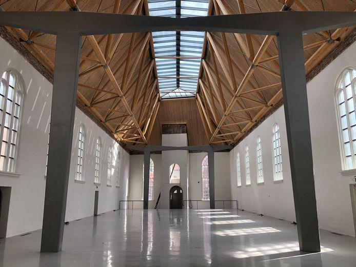 Het interieur van de weer opgebouwde en gerestaureerde Elleboogkerk.