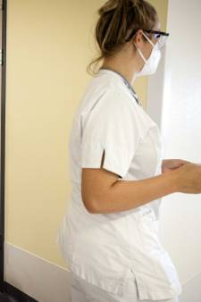LIVE   Ziekenhuizen trappen op rem met bijna 1000 coronapatiënten: operaties worden afgebeld