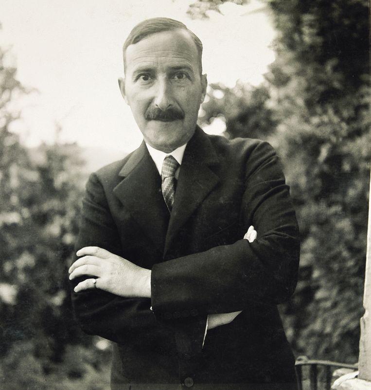 De schrijver Stefan Zweig in zijn woonplaats Salzburg, in 1931. Net als in sommige van zijn de personages van Mona Høvring zich geconfronteerd met een seksueel getinte identiteitscrisis. Beeld Getty Images