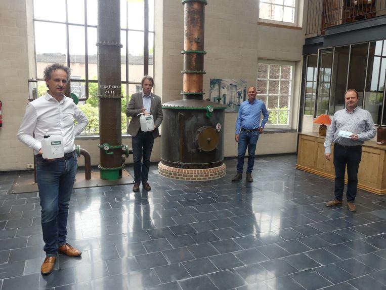 CEO van Filliers Bart Cnudde, burgemeester Jan Vermeulen (CD&V), schepen Bruno Dhaenens (Open Deinze) en schepen Bart Van Thuyne (CD&V).