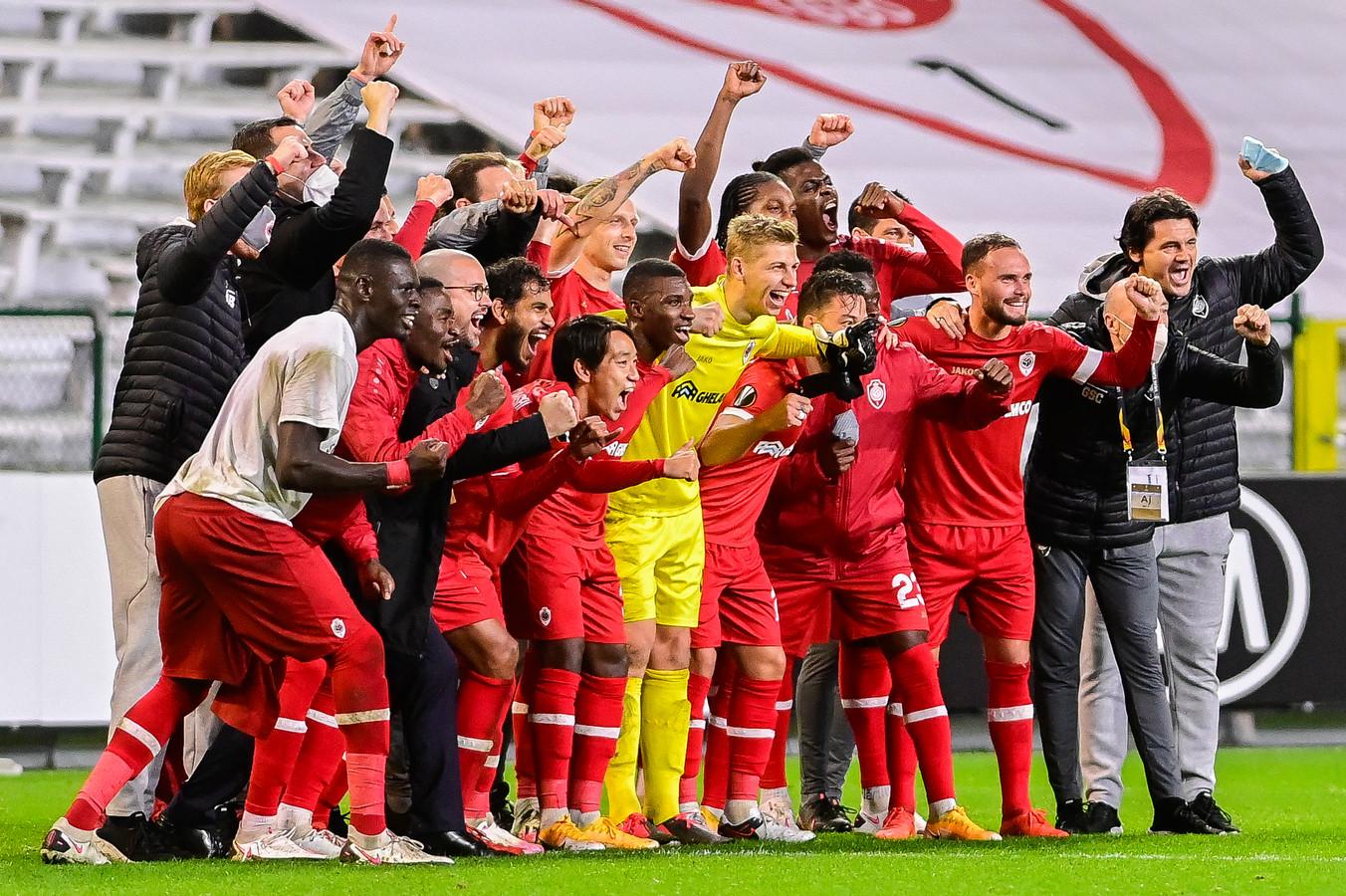 Feest bij Antwerp na de 1-0 zege op Spurs.