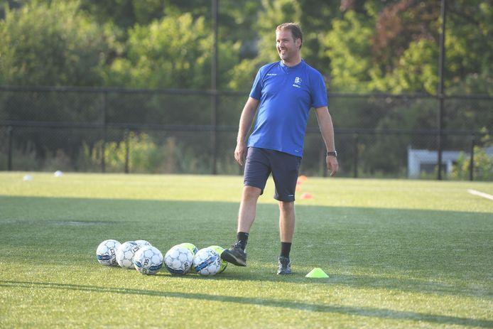 Trainer Gunter Magits ziet zijn jongens meestrijden in de top vijf komend seizoen.