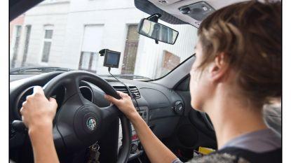 Parking Carrefour Sleidinge afrijden wordt veiliger