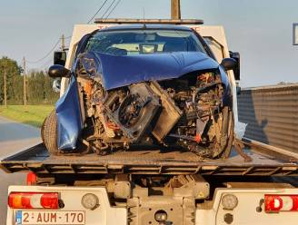 Auto tegen boom, bestelwagen omgekeerd in gracht... Er gebeurden heel wat ongevallen in Diksmuide