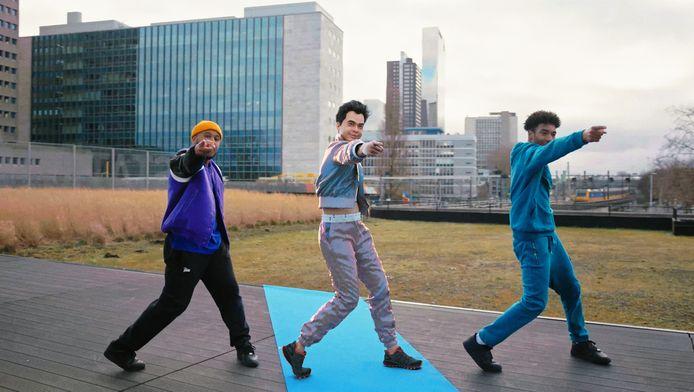 Dansers op de Luchtsingel, een voormalig spoorviaduct in Rotterdam-Noord.