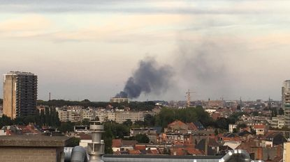 Lege trein brandt uit op Schaarbeek-Vorming