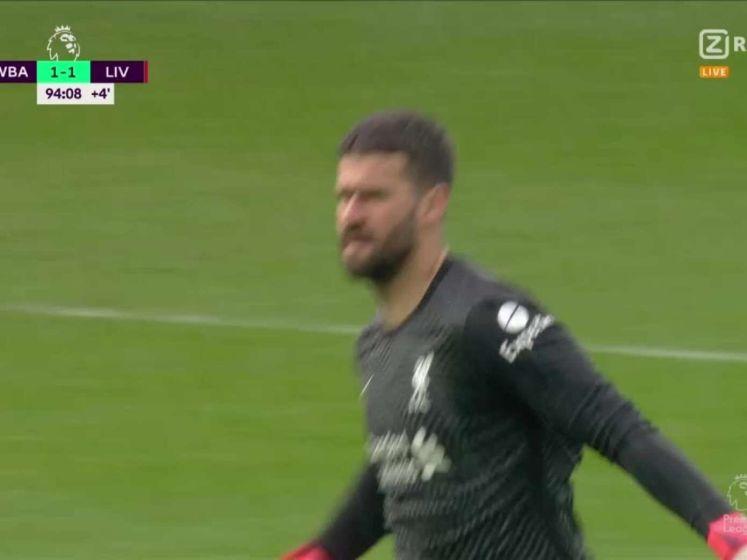 Doelman Alisson kopt Liverpool naar cruciale zege