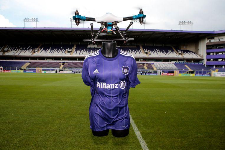 Allianz was afgelopen seizoen al shirtsponsor van Anderlecht in de Champions League. De Duitse verzekeraar toont interesse om dat engagement uit te breiden