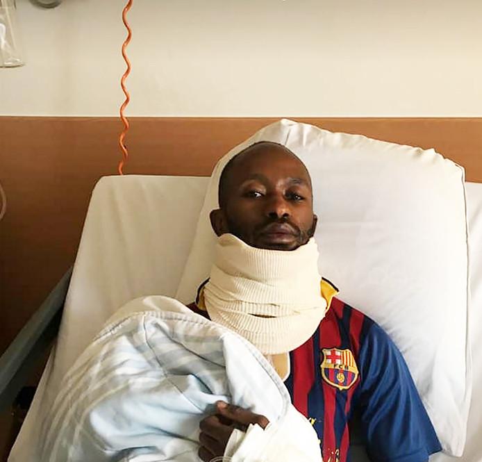 Sharif Sidigi kreeg een kopstoot van een ploeggenoot bij SV Nieuw Utrecht en ligt met mogelijk een zware hersenschudding in het UMC.
