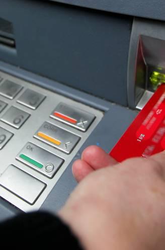 Regering en bankensector hebben akkoord over 'universele bankdienst'. Wat betekent het? Voor wie is het bedoeld? En wat kost het?