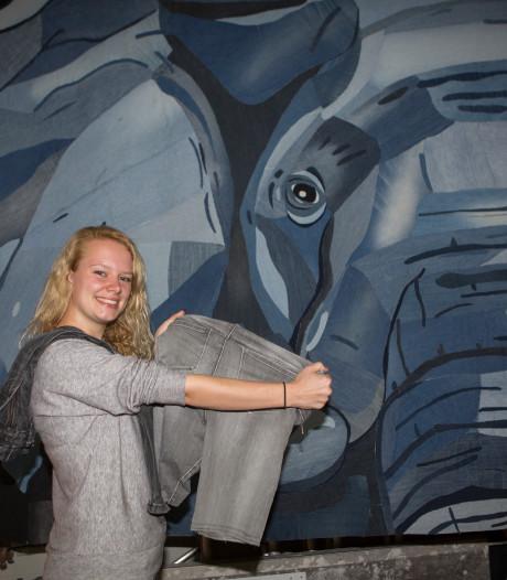 Zwolse student maakt olifant van spijkerbroeken