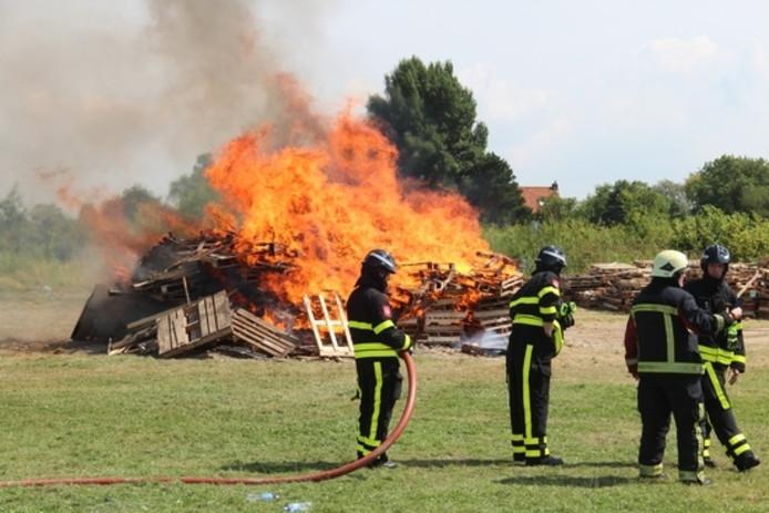 Brandweerlieden hielden een oogje in het zeil.