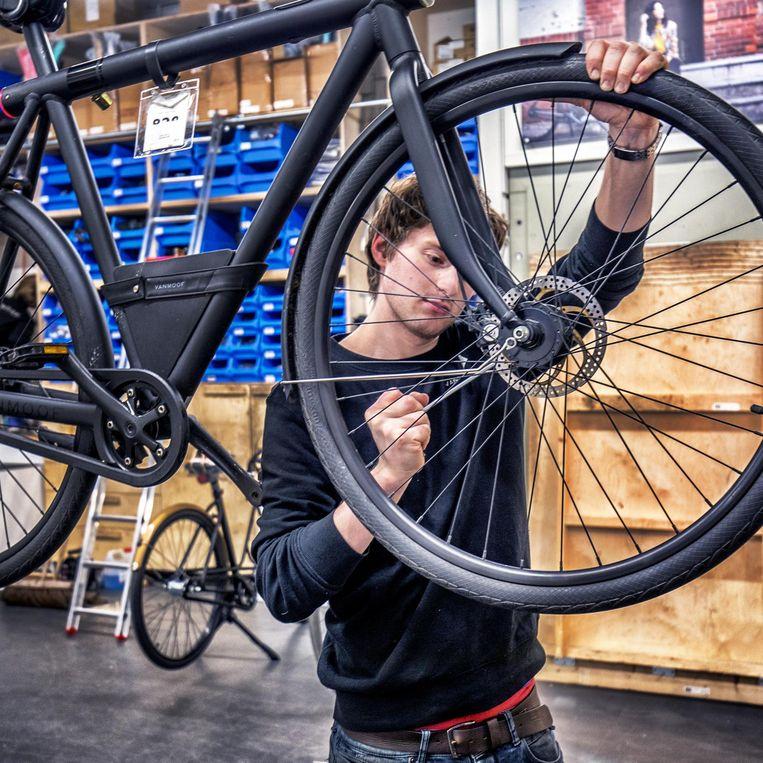 Een VanMoof-fiets. Beeld Raymond Rutting / de Volkskrant