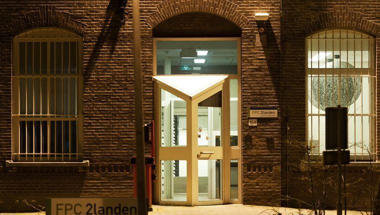 Entree van de TBS-kliniek Tweelanden in Utrecht. Beeld ANP