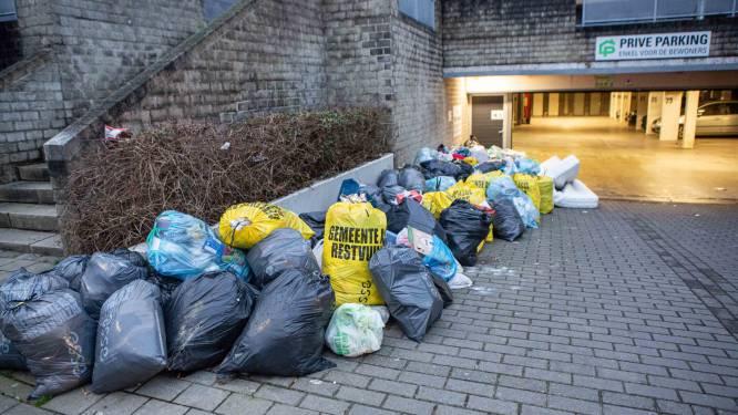 """Providentia en gemeente overleggen over afvalproblematiek Gasthuisstraat: """"Buurtwerking is mogelijke oplossing"""""""