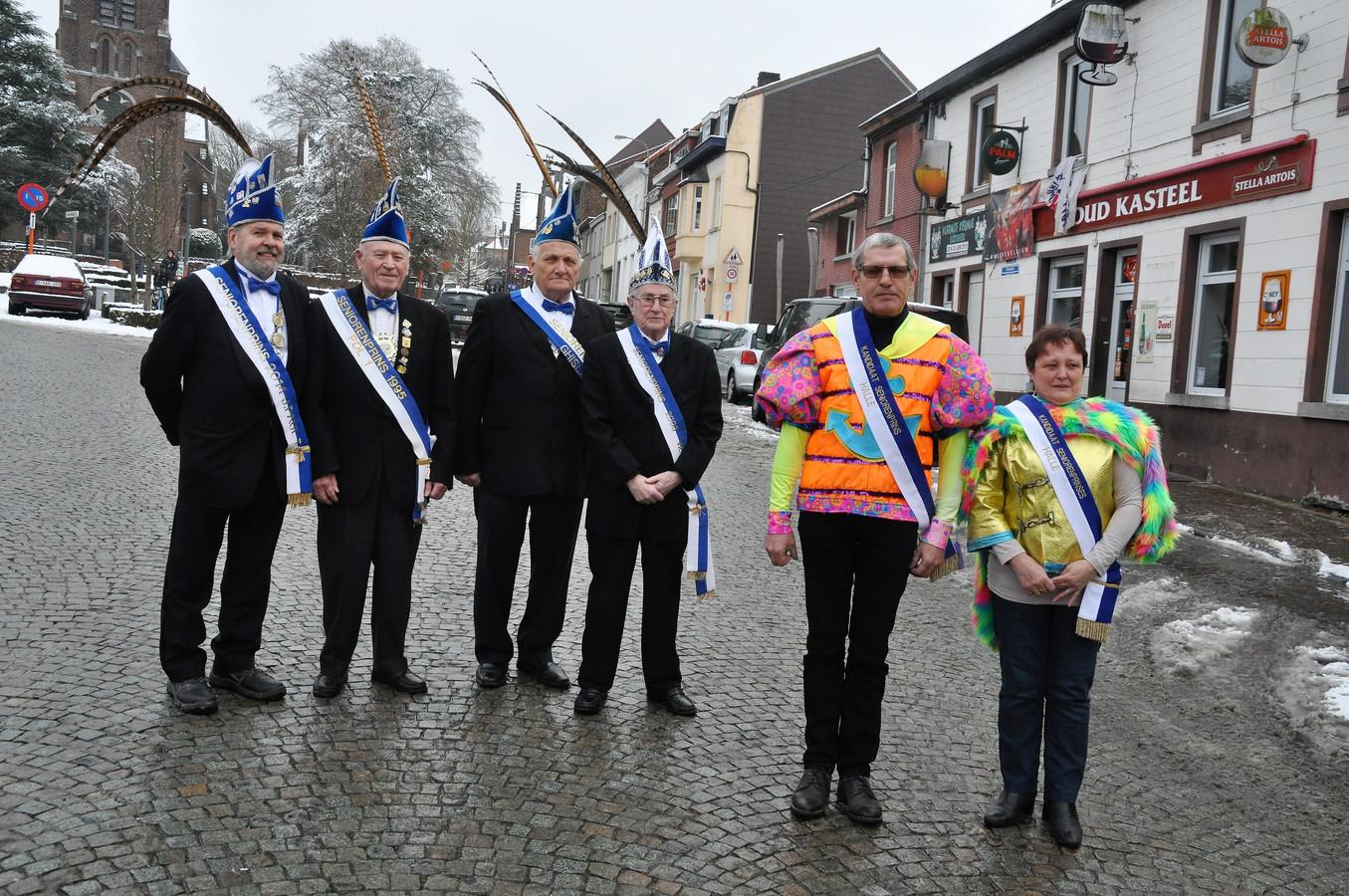Carnavalisten Jos Vandenhouden (59) en Linda Devogeleer (58) maken zich op om een jaar lang als Seniorenprinsenpaar door het leven te gaan.