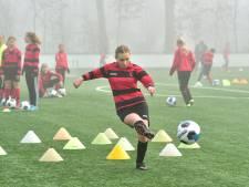 Nieuwjaarsclinic bij Olympia houdt jeugd gemotiveerd en warmt spelers op voor trainersrol