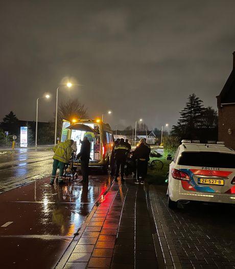 Botsing tussen brommer en fietser op Noordweg: twee gewonden