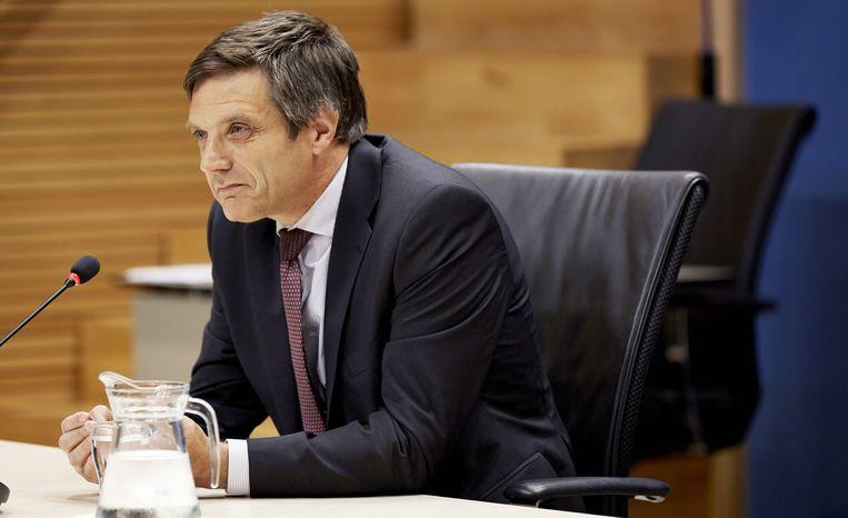 Arnoud Boot, oud-lid Raad van Commissarissen bij het Waarborgfonds Sociale Woningbouw (WSW), tijdens de hoorzitting van de parlementaire Enquetecommissie Woningcorporaties. Beeld null