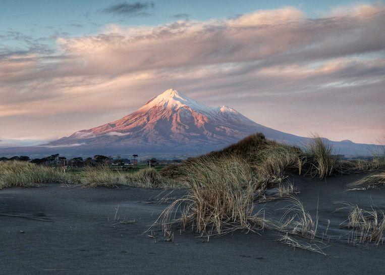 Mount Taranaki is het derde Nieuw-Zeelandse natuurfenomeen dat als rechtspersoon wordt erkend. Beeld Visit Tarakani