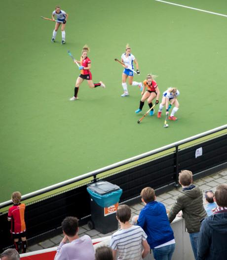 Hockeyvrouwen Oranje-Rood mogen op examen