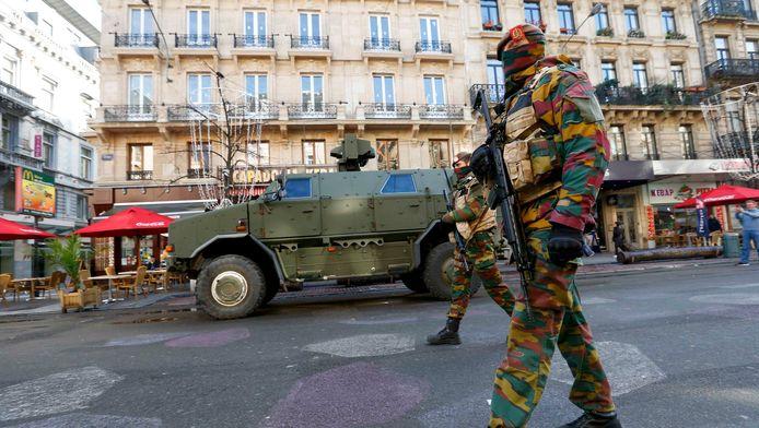 Belgische soldaten in de straten van Brussel.