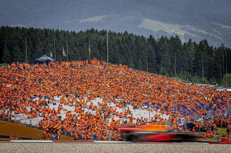 Duizenden Nederlanders waren afgereisd naar Oostenrijk en zagen Max Verstappen met overmacht winnen.  Beeld Remko de Waal / ANP
