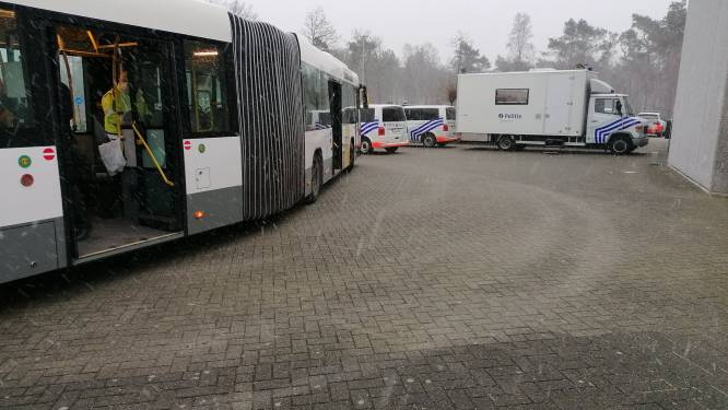 Opnieuw 10 mensen met drugs betrapt op bus van Ravels naar Turnhout