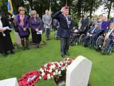 Oorlogshelden niet langer onvindbaar op Airborne Begraafplaats: veteranen krijgen plek in digitaal monument