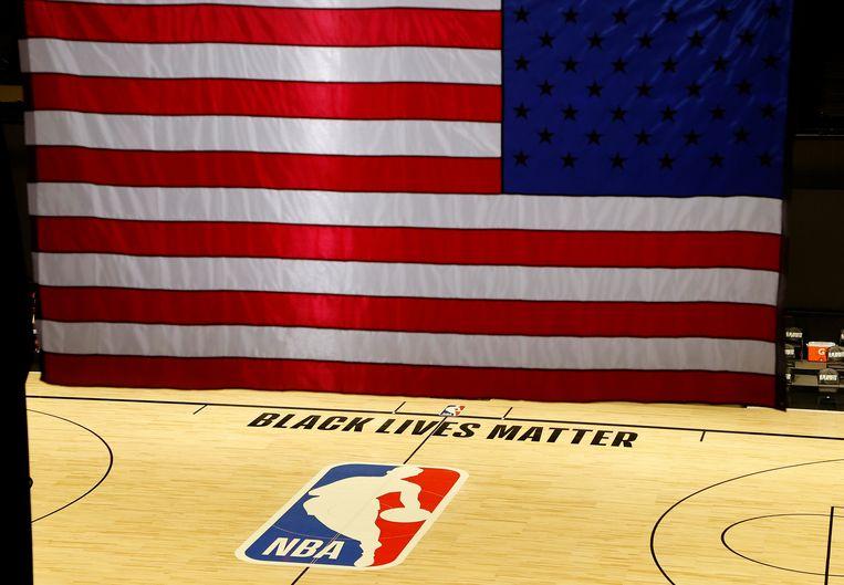 Het veld bleef gisteren leeg in het HP Field House, waar de Houston Rockets het zouden opnemen tegen Oklahoma City Thunder. Beeld EPA