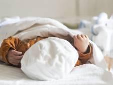Samen relaxen in Hotel New York, met zijn drietjes naar huis: baby Fleur kwam wat vroeger dan verwacht
