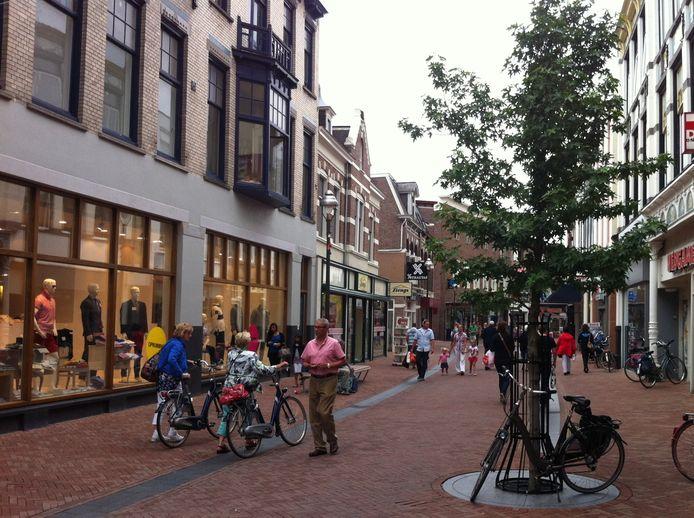 Een paar jaar geleden plantte de gemeente al een aantal bomen in het winkelgebied. Uiteindelijk moet het centrum veel groener worden.