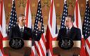 Obama en Cameron houden een persconferentie na hun ontmoeting.