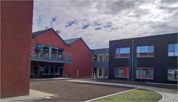 De achterzijde van het nieuwe woonzorgcentrum aan de Antwerpse Steenweg.