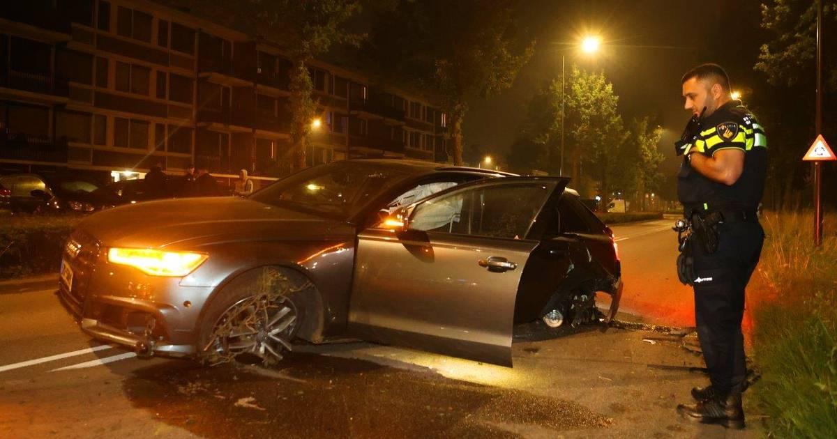 Bestuurder dure Audi vlucht na botsing in Den Bosch.