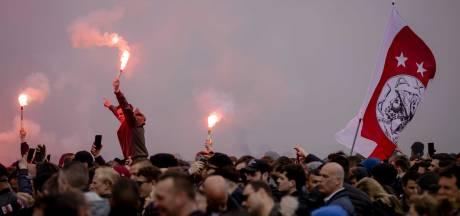 Ruim 10.000 Ajax-fans bij ArenA, gemeente greep bewust niet in