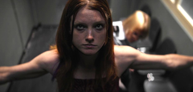 Anne-Laure Vandeputte in de 'Lockdown'-kortfilm 'Transfer' van Jonas Govaerts  Beeld VRT