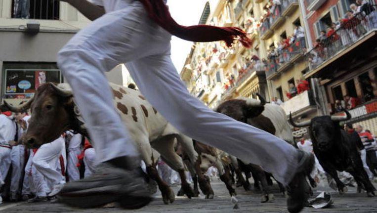 Stierenlopen, zoals hier in Pamplona, maken deel uit van een aantal Spaanse festivals.