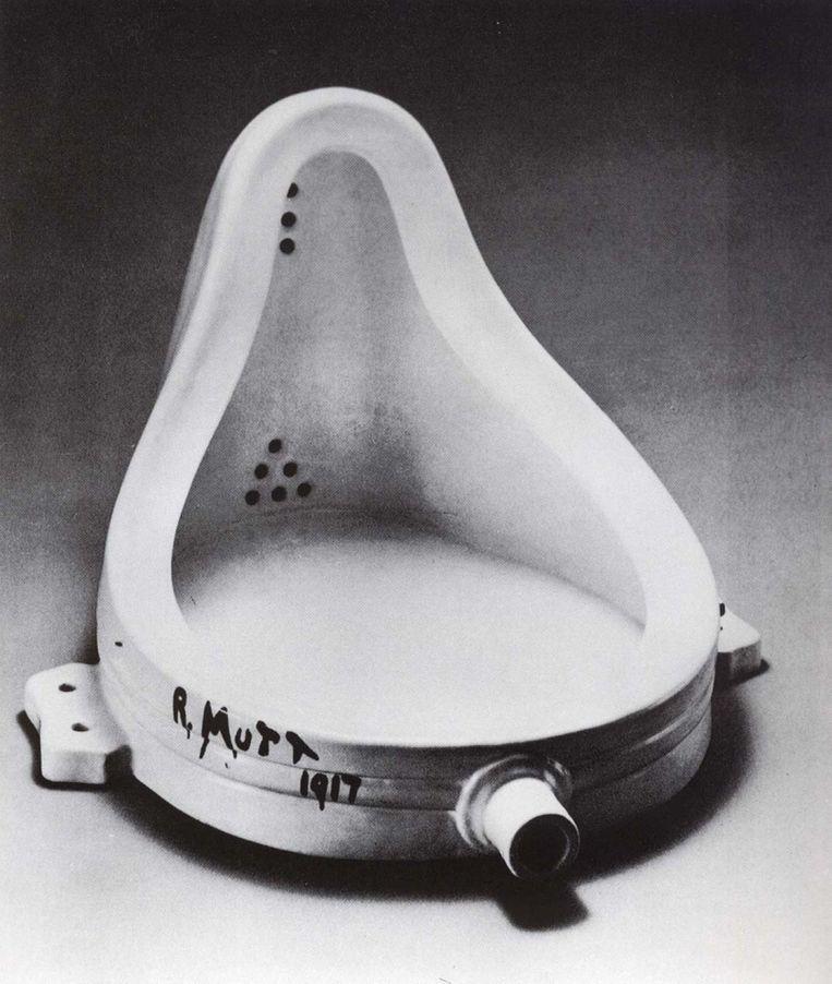 Het urinoir van Marcel Duchamp zette de kunst op zijn kop. Beeld rv