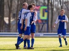 Van den Berg draait bij en blijft toch trainer van SC Emmeloord