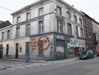 """Vrijwilligers speuren naar leegstaande gebouwen in Gent: """"Onze actie kan de Stad 100.000 euro opbrengen"""""""