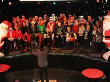 Meezingen in kerstpak en panterprintbingo bij Vlissingen Wonderstad