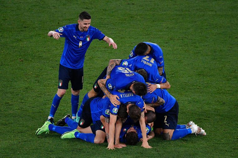 Vreugde na een goal van Manuel Locatelli.