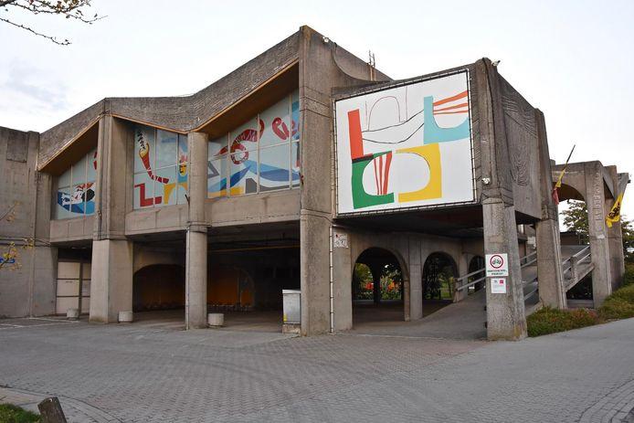 Het zwembad Ter Leie op het stadsdomein Oosthove.