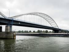 Kamer wil opheldering over Merwedebrug: 'Hoe het kan dat er volgens Rijkswaterstaat geen acuut veiligheidsrisico was'