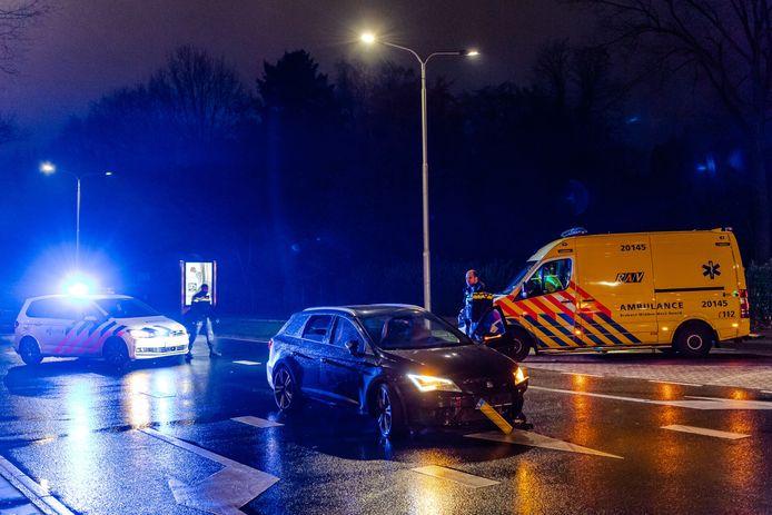 Politie en ambulance aanwezig.