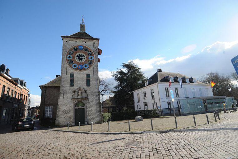 Onlangs kwam aan het licht dat de Zimmertoren, toch een van de Lierse trekpleisters, aan het wegrotten is na jaren verwaarlozing.